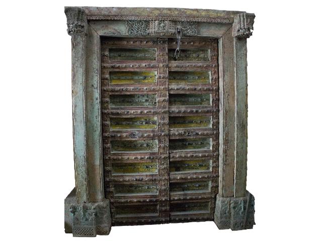 Wooden door with pillar