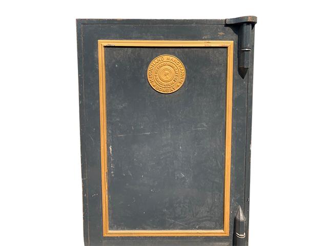 Iron cash Locker